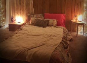 A Guide to Place Himalayan Salt Lamps-Bedroom